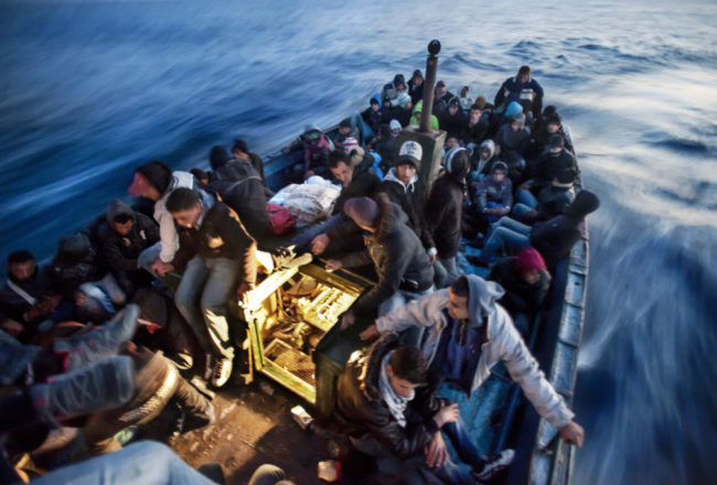 Mar-Mediterraneo-aprile-2011.-©-Giulio-Piscitelli-Contrasto-1024x681